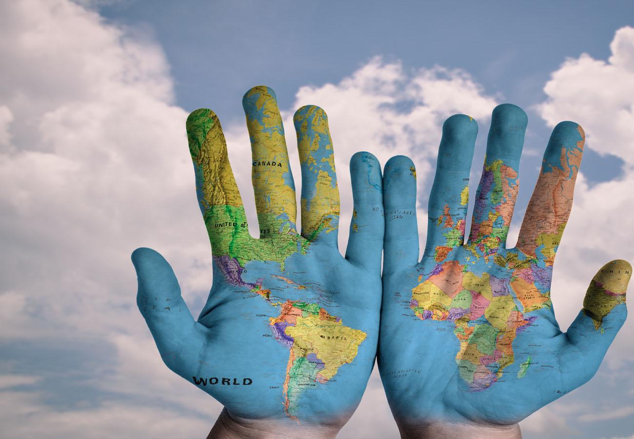 Senior Voyageur, le monde au creux des mains