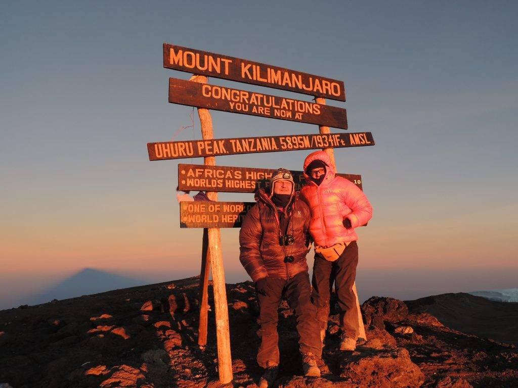 Isabelle Mislanghe au sommet du Kilimandjaro