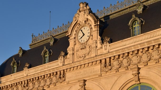 Façade de la gare de Lyon